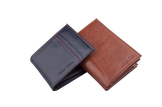 ブラウンとダークブルーのおしゃれな男性用財布