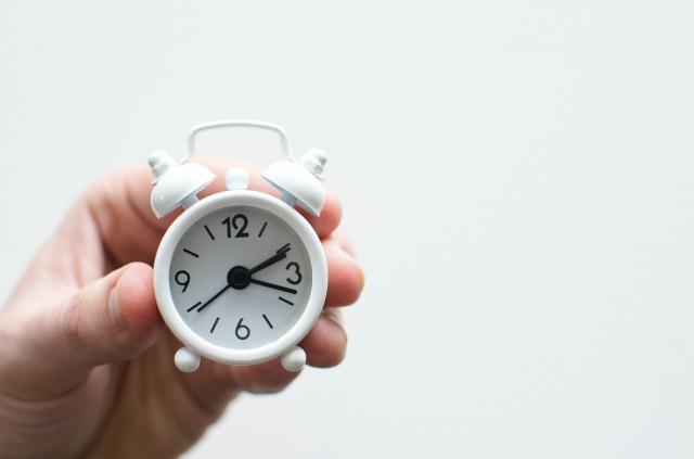 小さな置時計