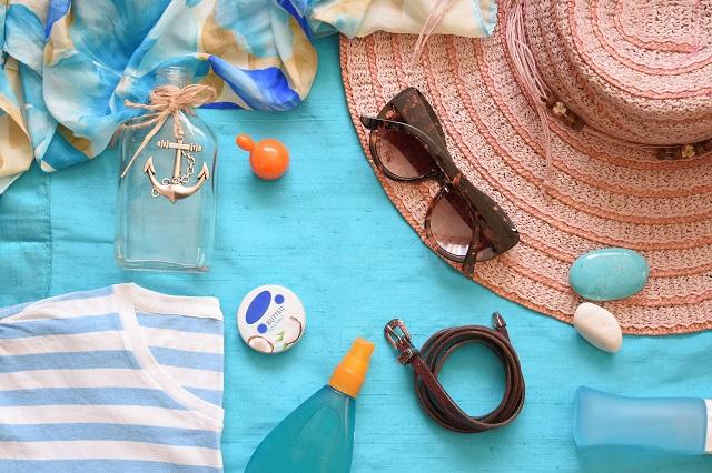 帽子やサングラスなど夏活躍するアイテムたち