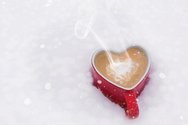 「四国珈琲」の「オリジナルドリップバッグコーヒー」を淹れた様子