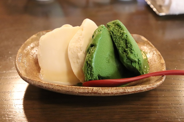 バニラと抹茶のアイス