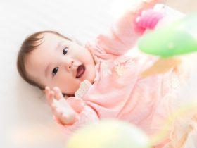 0歳児が大喜び!おすすめの子育てに役立つおもちゃ5選