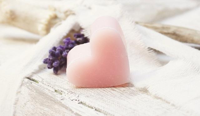 ハート型のピンクの石鹸