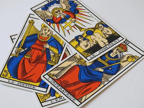 タロットカードの選び方で重要なのは自分に合ったものを探すこと
