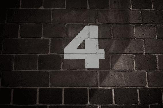 カバラ数秘術の運命数4の人は責任感が強くて論理的