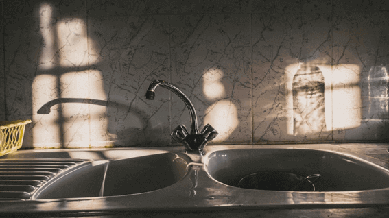 頑固な汚れはどうする?キッチンのシンク周りの掃除の仕方