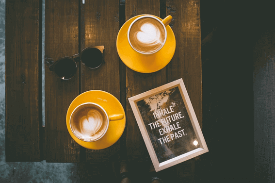 カフェ経営の基本!必要な資格について知ろう