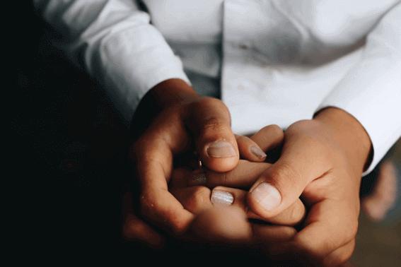 手を刺激して高い健康効果が期待できるのがハンドリフレクソロジー