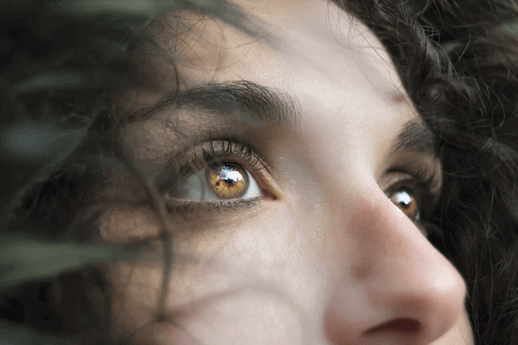 ヨガの片鼻呼吸法とは?効果ややり方をレクチャー