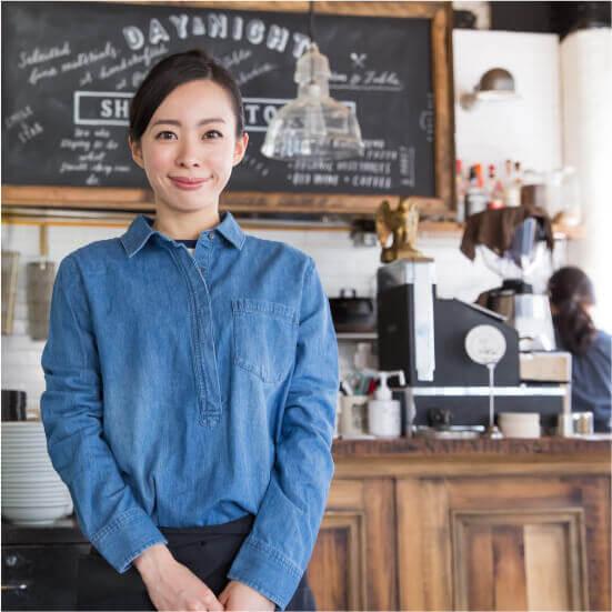 カフェオーナー