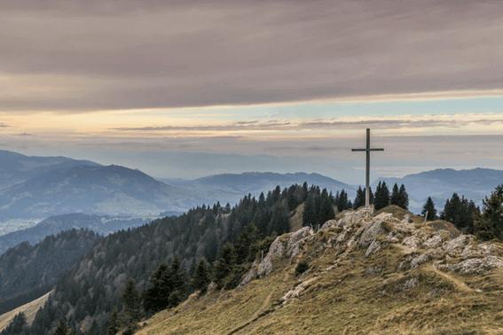 ルノルマンカードの「十字架」が表す意味とは?