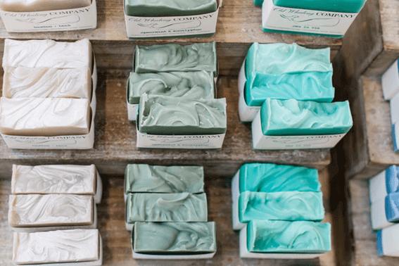 フェルティングニードルを使わずに石鹸で代用する方法とは?