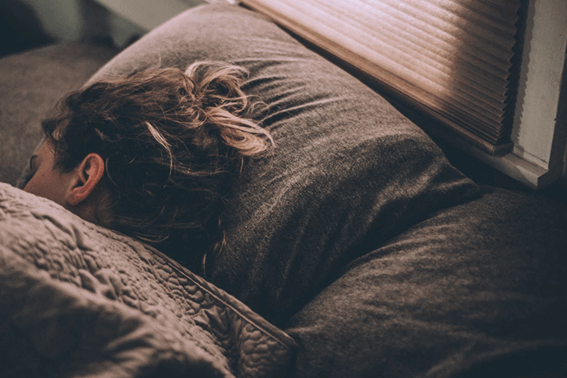 筋肉づくりと睡眠の関係は?筋トレをするなら意識したい睡眠について紹介