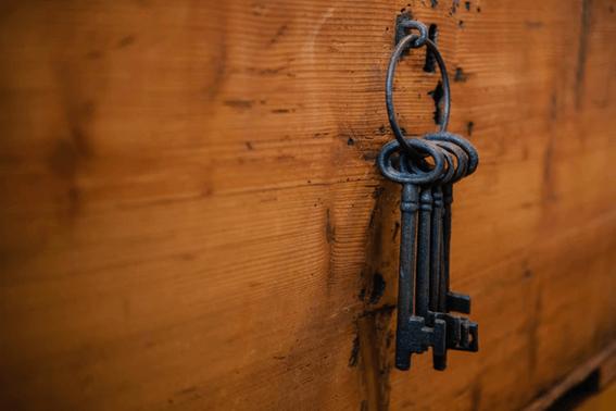 ルノルマンカードの「鍵」が表す意味とは?