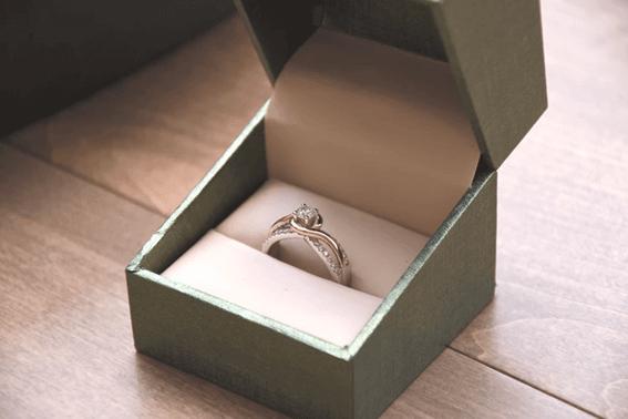 ルノルマンカードの「指輪」が表す意味
