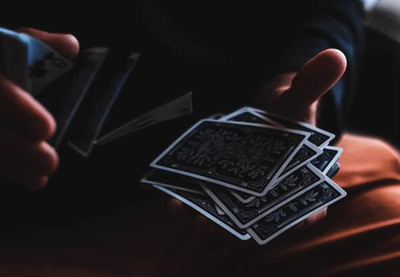ルノルマンカードとタロットカードの違いって何?