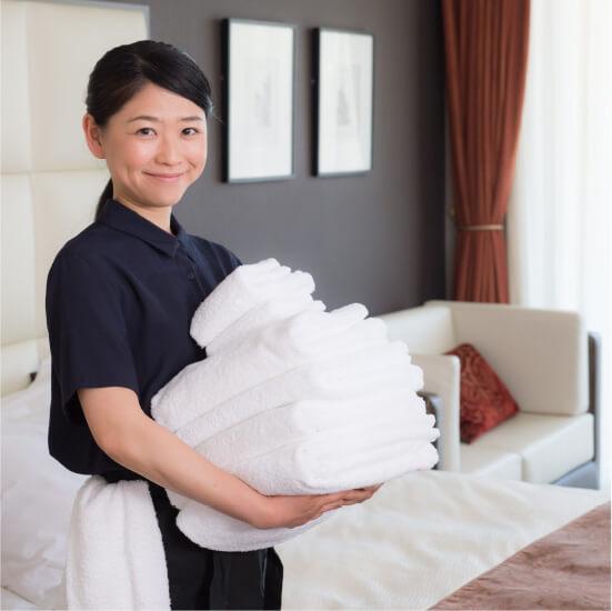 ホテルの客室清掃スタッフ