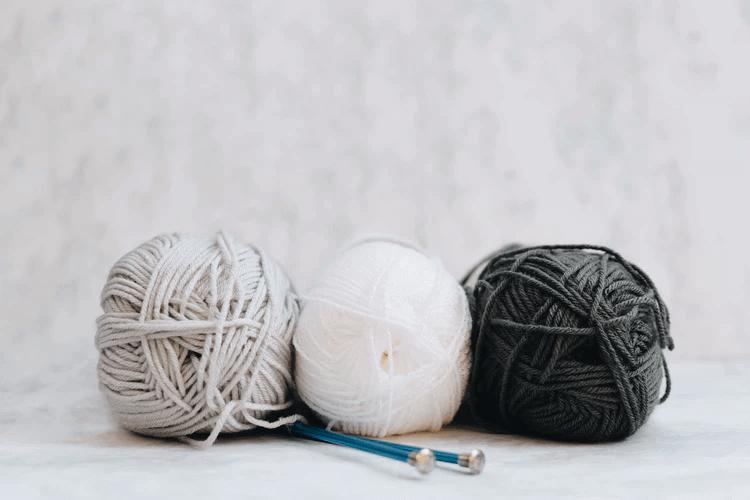 編み物を行うニットセラピーには癒しの効果がある!