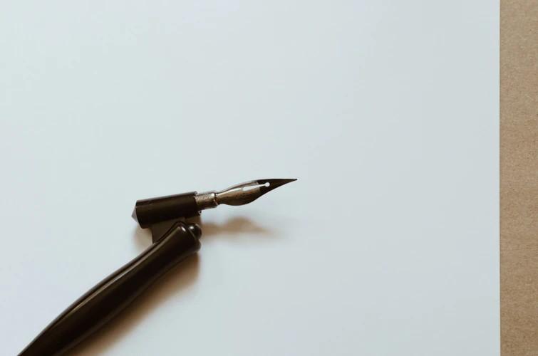 カリグラフィーのアンシャル体って?特徴や書き方について理解しよう