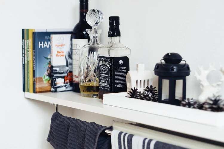お酒には蒸留酒や醸造酒などがある