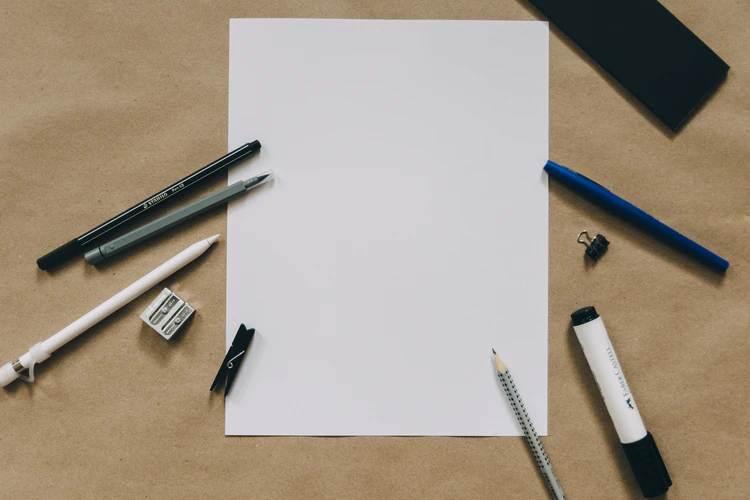 カリグラフィーに使う道具って?使い方やポイントを解説!