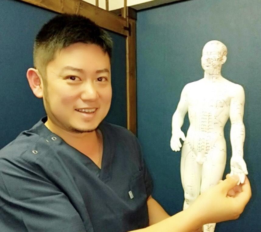 東洋医学鍼灸マッサージハリエンジュ治療院 院長_瀬川浩央先生(つぼ講座)